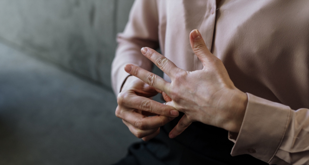 Hand removing ring - no fault divorce